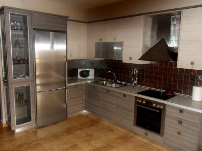 Κουζίνα με επένδυση αλουμινίου